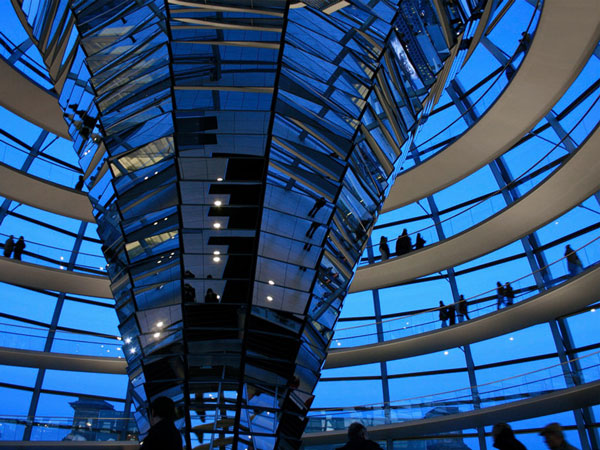 reichstag-building-glass-dome-berlin-germany-architecture-Lembaga-Alumni-Eropa