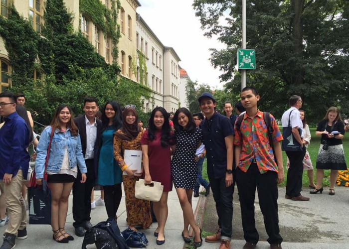 siswa-LAE-Lembaga-Alumni-Eropa-Jakarta-lulus-dari-studienkolleg-zwickau-jerman