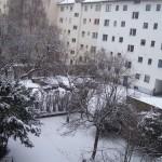 suasana-turun-salju-di-apartment-saat-kuliah-di-universitas-negeri-di-Jerman-melalui-lembaga-alaumni-eropa-www.alumnieropa.org