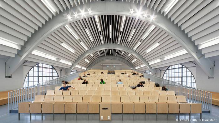 salah-satu-ruang-kuliah-di-TU-Darmstadt-sebagai-tujuan-Kuliah-Ke-Luar-Negeri-Tanpa-Beasiswa-melalui-LAE