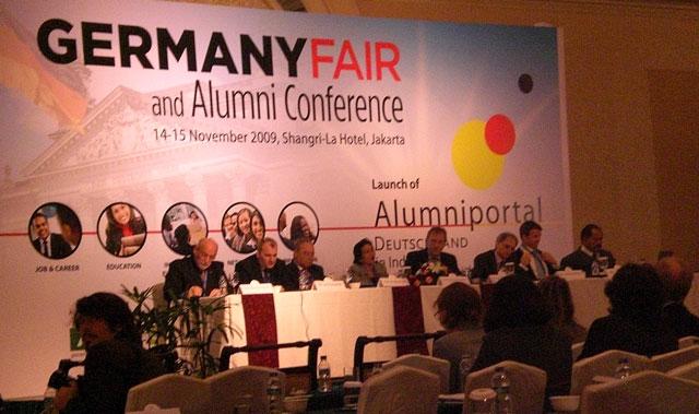 Staf-Lembaga-Alumni-Eropa-menghadiri-Germany-Alumni-Conference