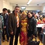 seorang-mahasiswi-Indonesia-dari-Lembaga-Alumni-Eropa-angkatan-2013-2014-sedang-tampil-dengan-tari-Bali-nya-di-acara-Indonesische-Abend-Jerman