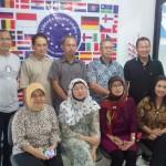 para-orang-tua-peserta-program-intensif-persiapan-kuliah-di-jerman-tahun-2013-bersilaturahin-ke-sekretariat-LAE-jakarta